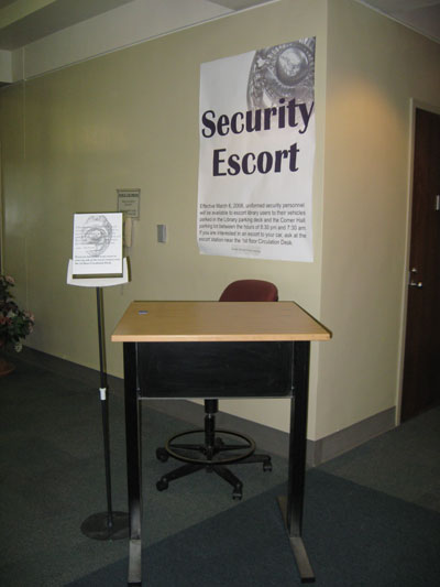 Security Escort desk and chair